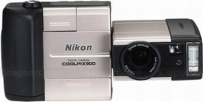 Nikon Coolpix 900 digital camera